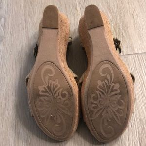 White Mountain Shoes - Beautiful, comfortable wedges